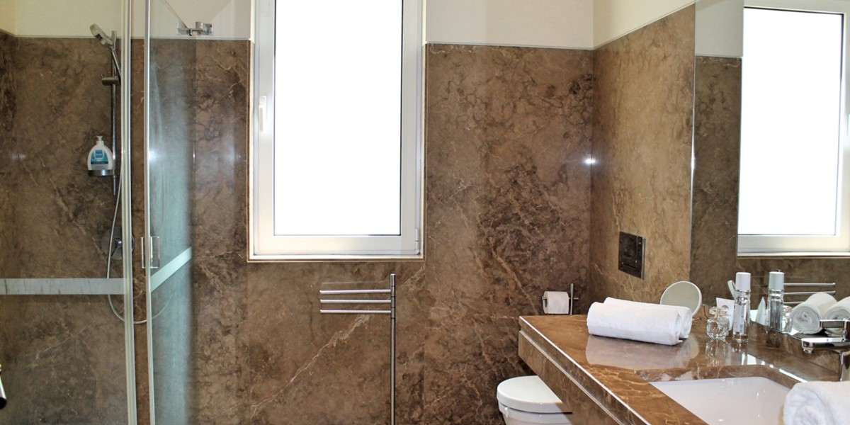 16 Our Madeira Bellevue Villa Bathroom Family