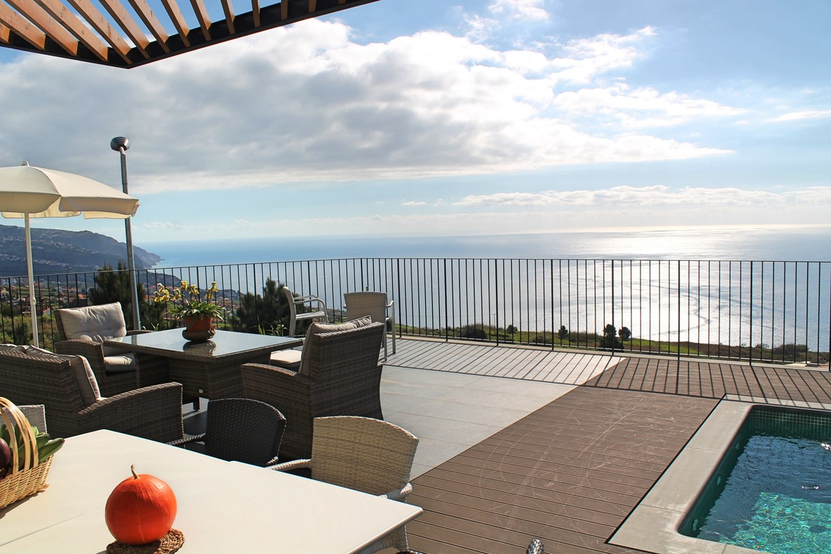 6 Our Madeira Eden Nature Outdoor Dining Pool View