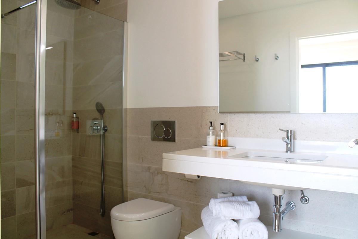 21 Our Madeira Eden Nature Bathroom En Suite Bedroom2