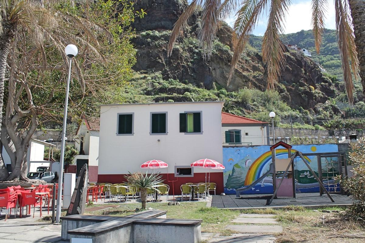 21 Our Madeira Madalena Do Mar Maria Bar