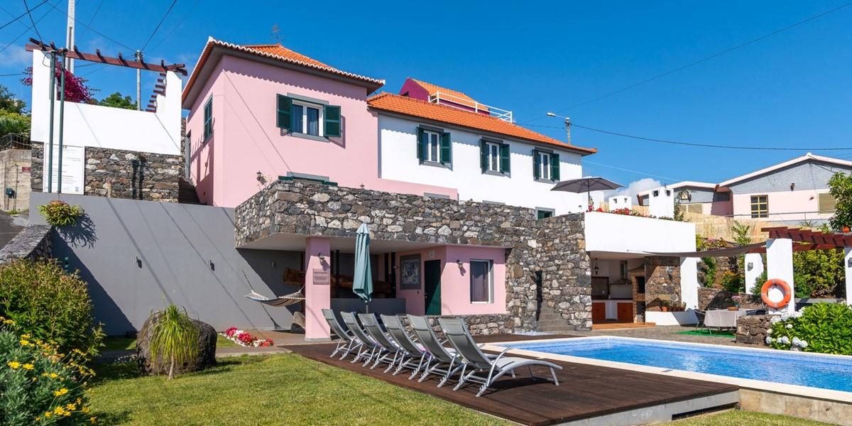 1 MHRD Casa Das Orquideas Pool Deck View