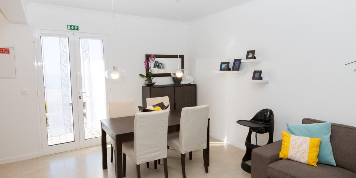 11 Casa Das Orquideas Dining Table