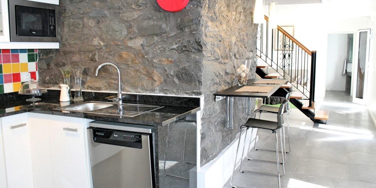 13 MHRD Casa Das Orquideas Kitchen Corridor