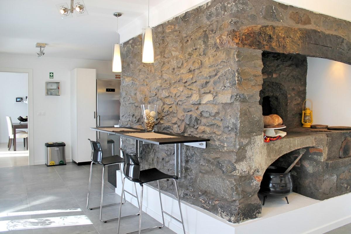 14 MHRD Casa Das Orquideas Old Fireplace Kitchen Dining