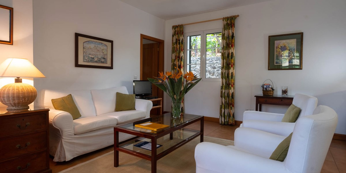 4 Our Madeira Casa Das Vinhas Living Room
