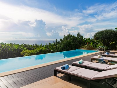 Contemporary villa, heated infinity pool, sea-views | The Designhouse