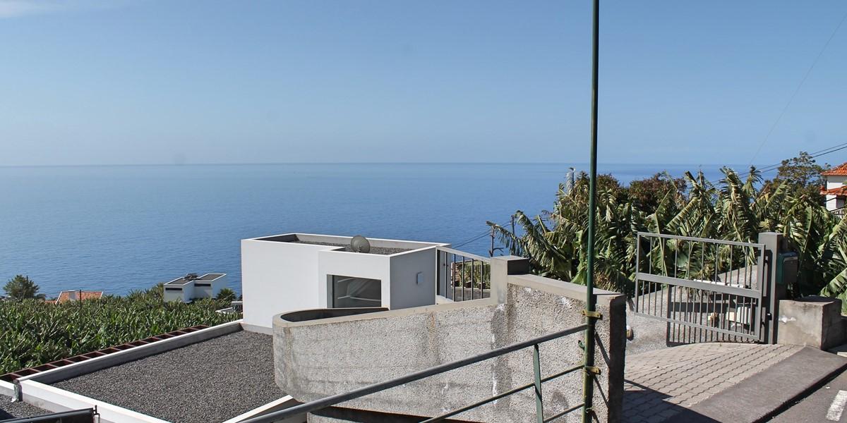 25 Our Madeira Designhouse Gate Car Entrance
