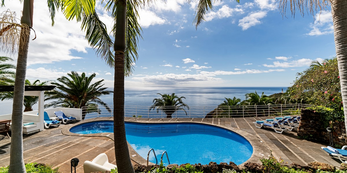 2 Our Madeira Villa Da Falesia Pool And View