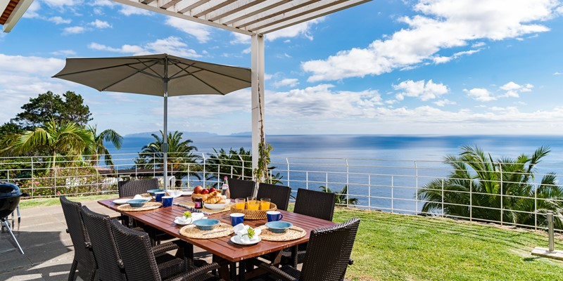 Our Madeira - Villas in Madeira - Villa Da Falesia Table