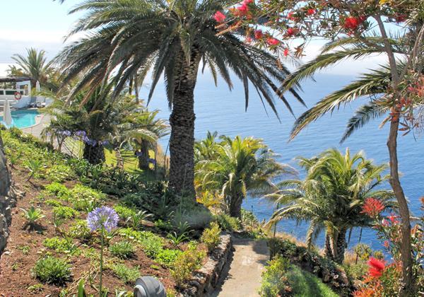 Our Madeira Villas in Madeira with Sea-view - Villa Da Falesia Gardens