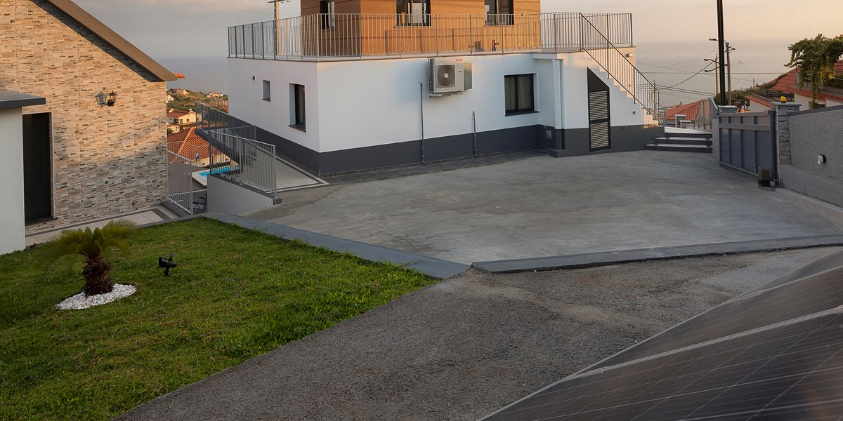 21 Our Madeira Casa Da Rosalina Parking