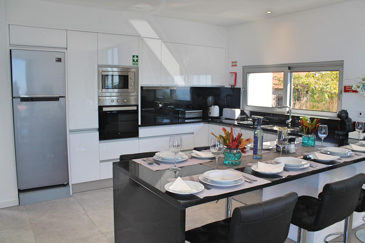 7 Calheta Heights Dining And Kitchen