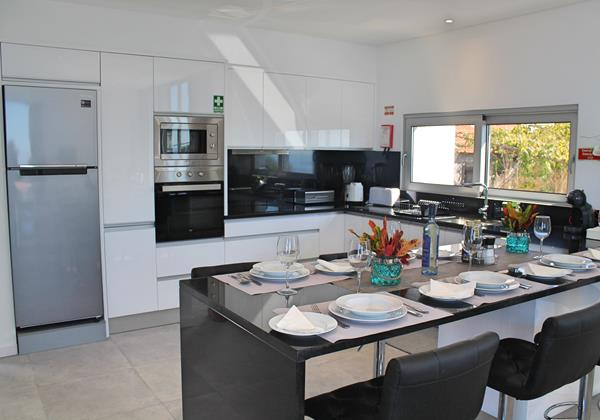 7 Calheta Heights Dining And Kitchen