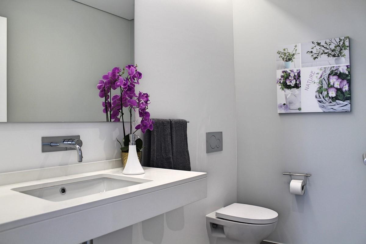 9 Calheta Heights Bathroom Guest Toilet