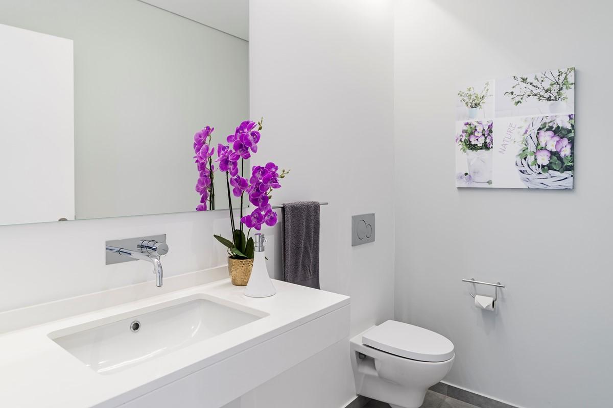 13 Our Madeira Calheta Heights Master Bathroom