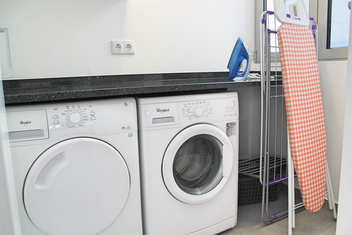18 Calheta Heights Laundry Room