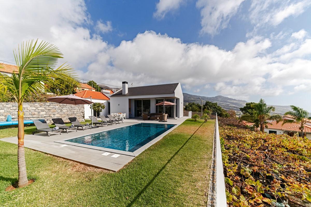 22 Our Madeira Calheta Heights Pool