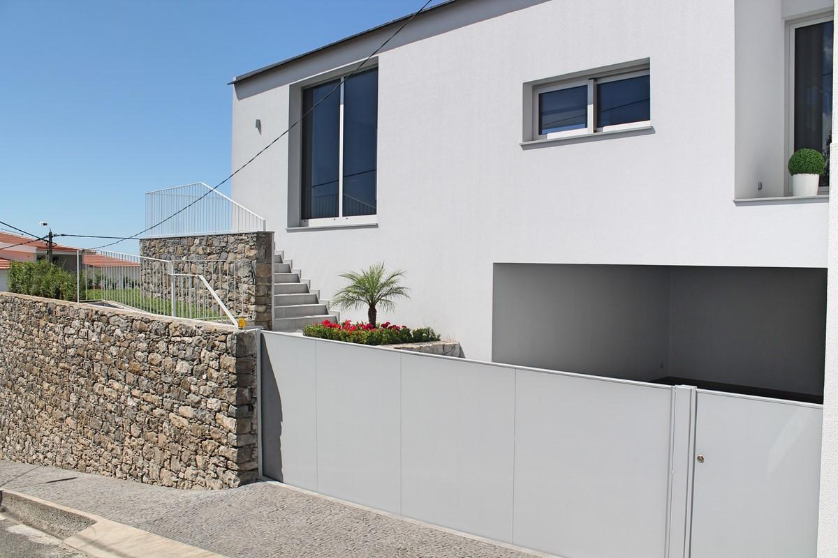 23 Calheta Heights Exterior And Garage