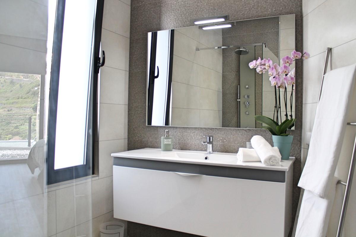 11 Ourmadeira Calheta Charm Bathroom En Suite