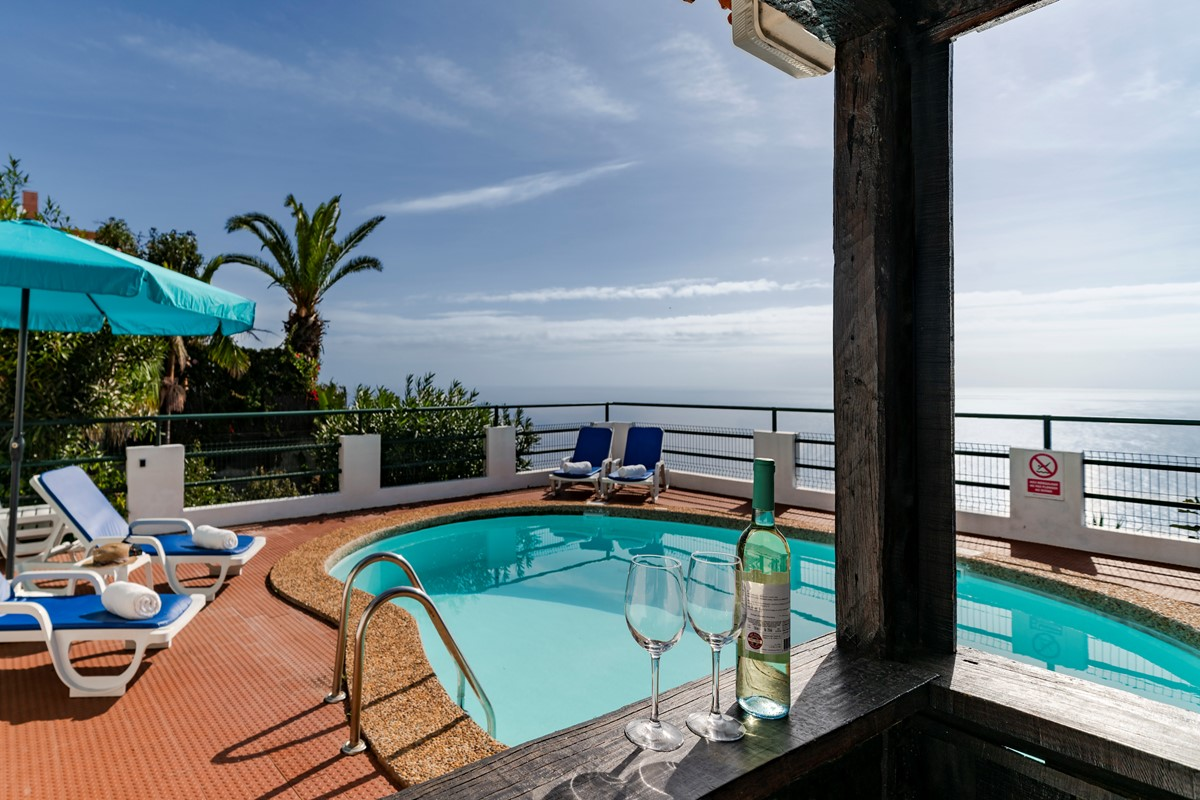 2 Our Madeira Aquarela Pool And View