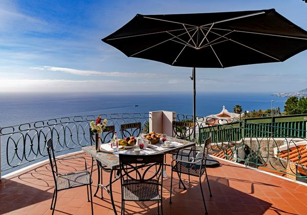 Our Madeira Villas in Madeira with Seaview - Villa Aquarela Terrace