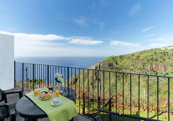 Our Madeira - Tranquil Apartments in Madeira - Top Of The Cliff Apt