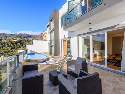 Lovely NEW 3-bedroom villa in Calheta, leisure room, sea-view | Casa da Belita