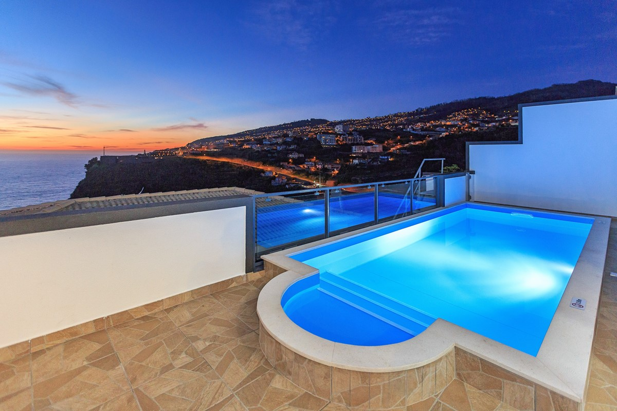 4 Ourmadeira Casa Da Belita Pool At Night
