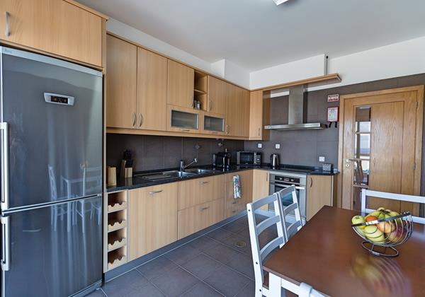 9 Ourmadeira Casa Da Belita Kitchen