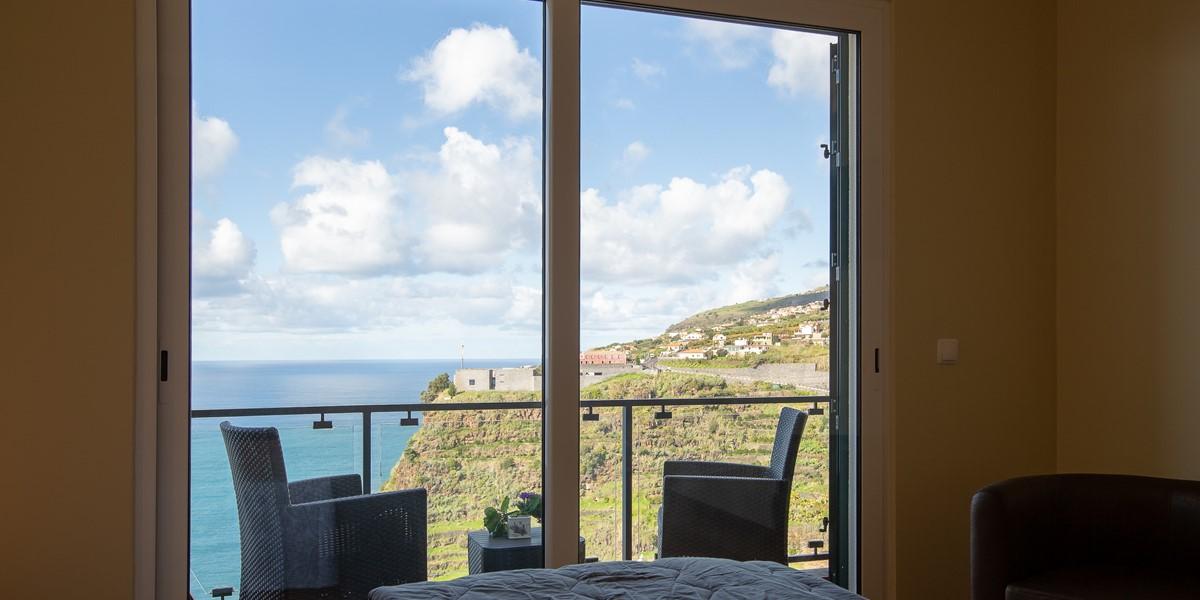 20 Ourmadeira Casa Da Belita Bedroom 2 And View